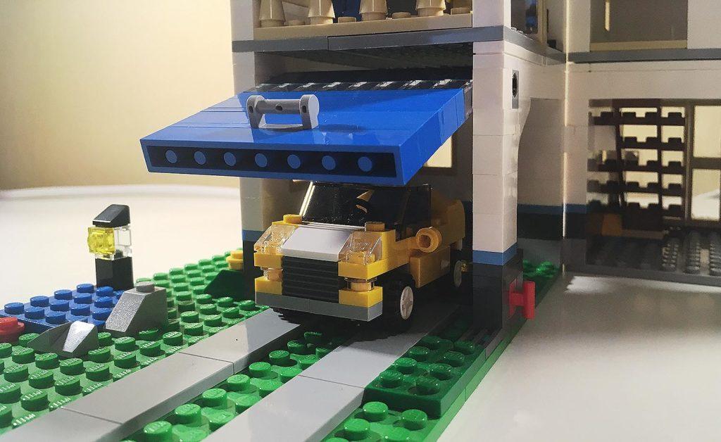 Lego creator lego haus und stadtvilla 31012 lego test for Modernes lego haus